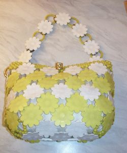 A 1960s plastic daisy bag similar to the Mary Quant Daisy