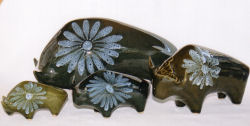 Lotus Pottery Bulls