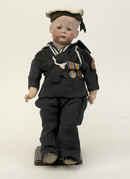 Vectis WW1 AM Sailor with medals 1387