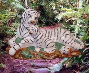 Wade Motherhood Bengal White Tiger