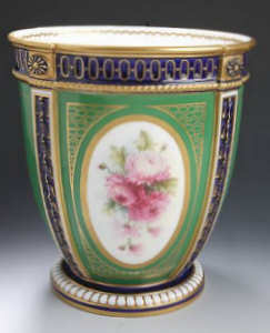 Royal Worcester Urn 1911